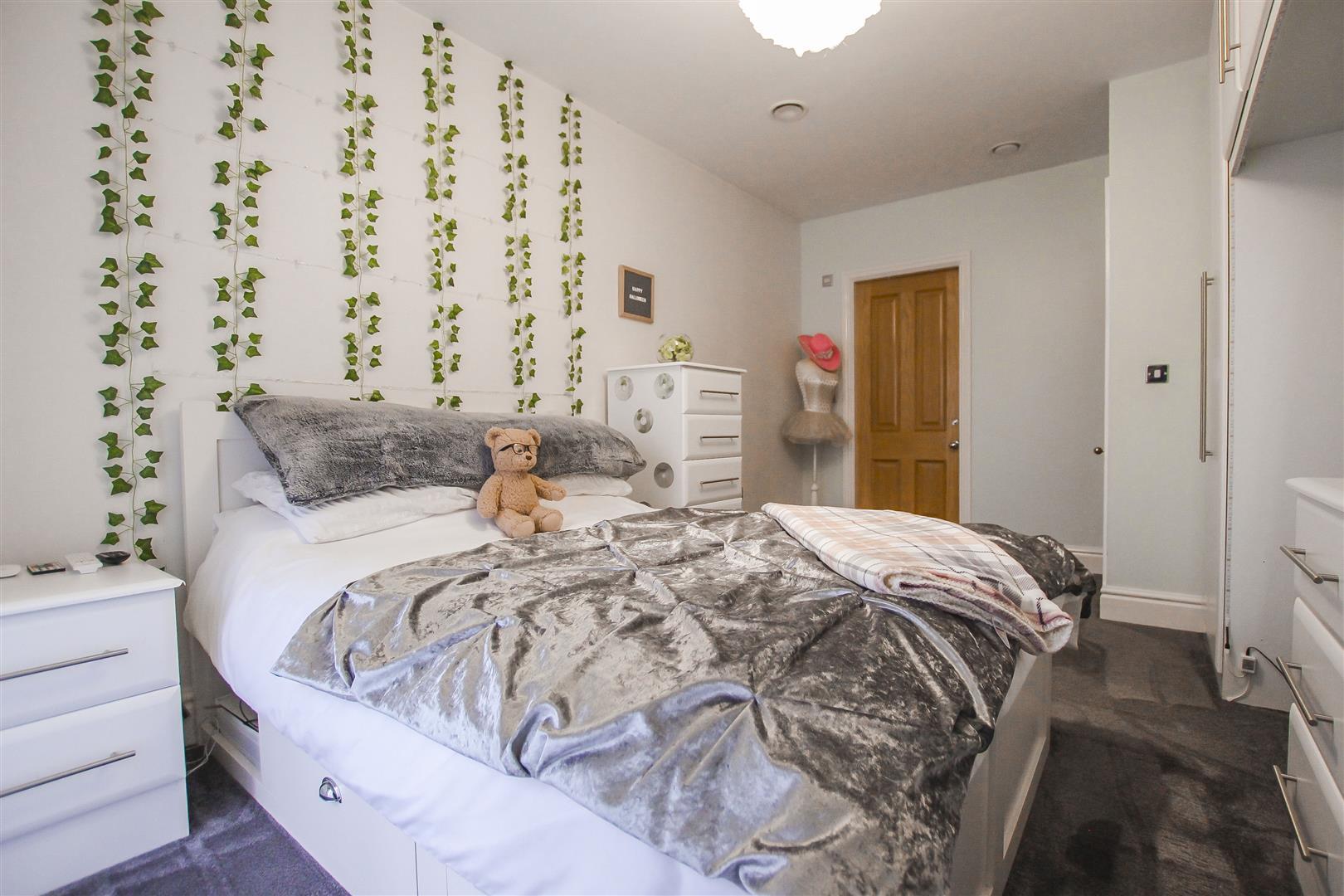 4 Bedroom Detached House For Sale - Bedroom 3